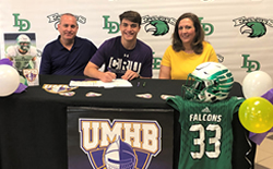 Falcon Football Linebacker Fenley Signs with UMHB