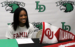 Whitley Signs to Cheer at OU